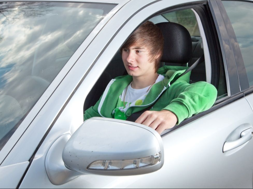 Car Safety Controls for Parents of Young Drivers