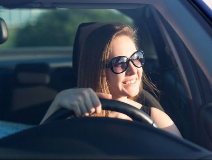 Here are some tips and topics to discuss with your teenager about the importance of not driving distracted.