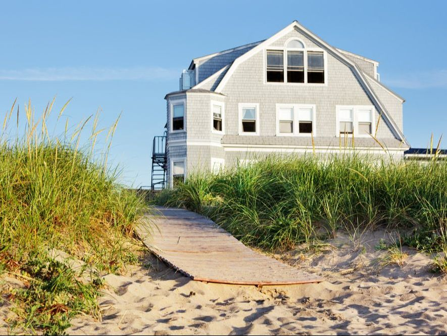 6 Steps to Close Up a Summer Home
