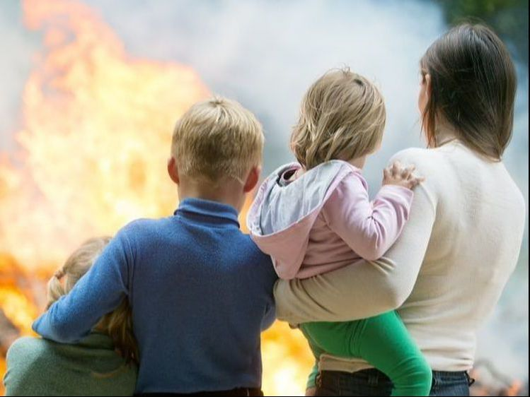 In the interest of helping save lives, consider these advice to help you safely survive if you find yourself in a fire at a home or business.