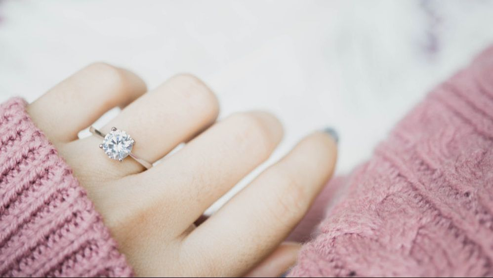 Many people might think that their homeowners insurance policy covers all of their jewelry and other expensive items kept within the house, however this is not always true.