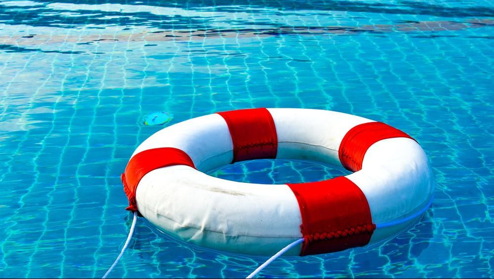 Three Pool Safety Tips For Homeowners Backyard Pool Safety Tips Selective Insurance Social
