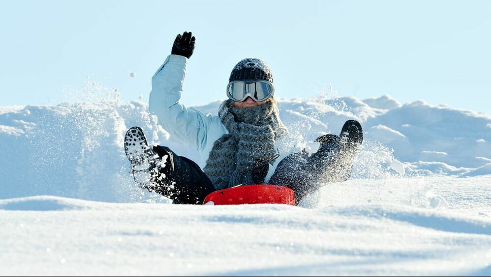 Before kids jump onto their sleds and find the nearest snow-covered hill, below are some important sledding safety tips.