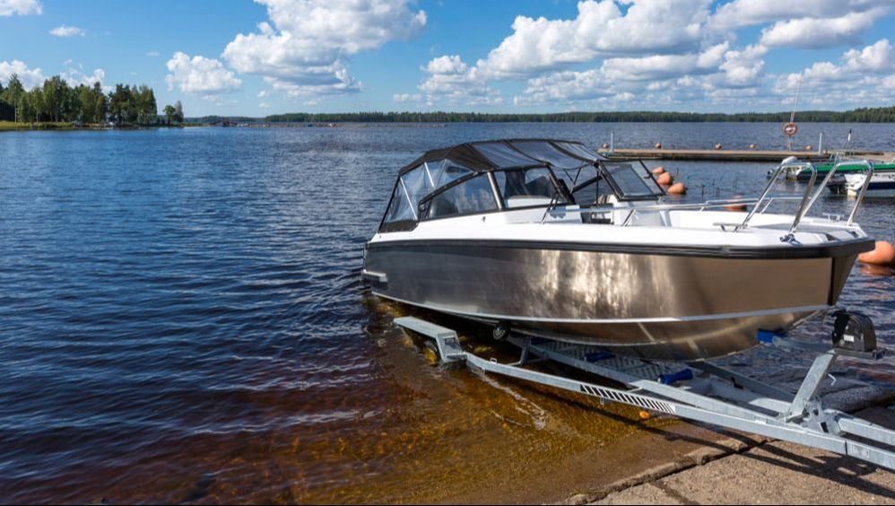 Here are a few steps to prepare your boat to be stored for a few months