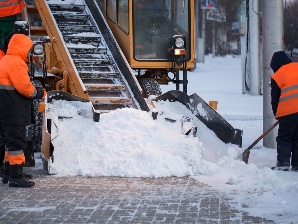Here are three wintertime risk management tips for small business owners: